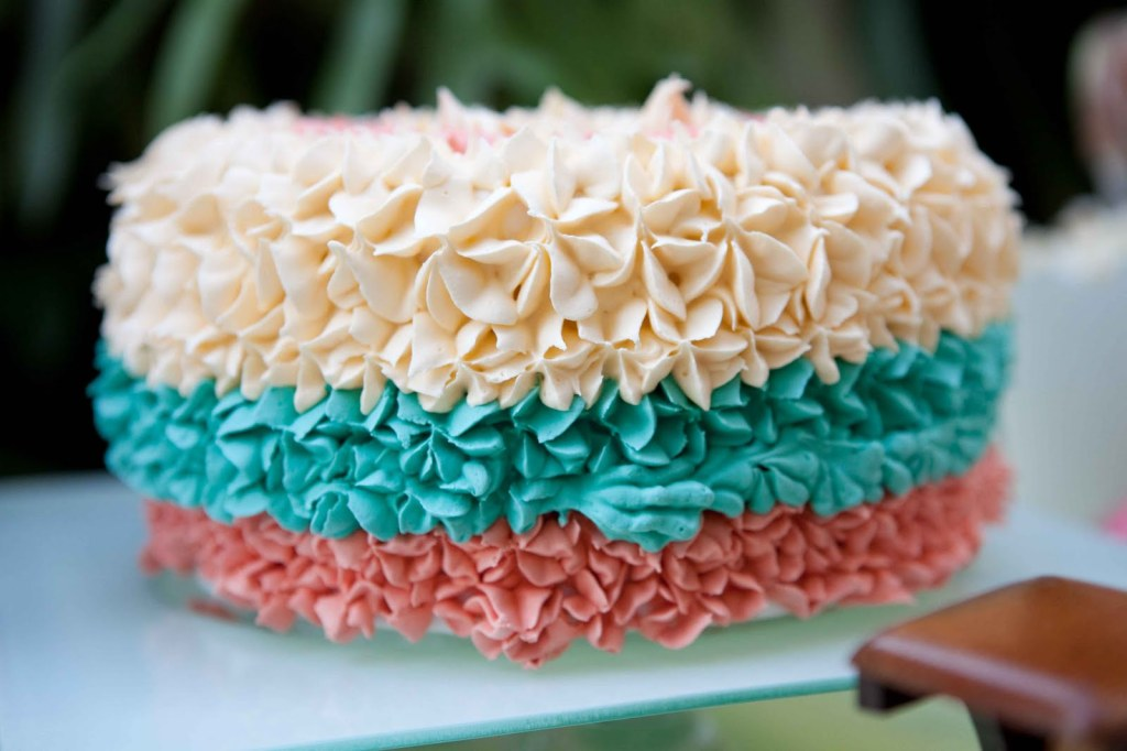bolo da confeiteira simone monteiro para a tati leme, que me ajudou a montar a festa de 1 ano da menininha