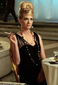 betty draper e o cigarro