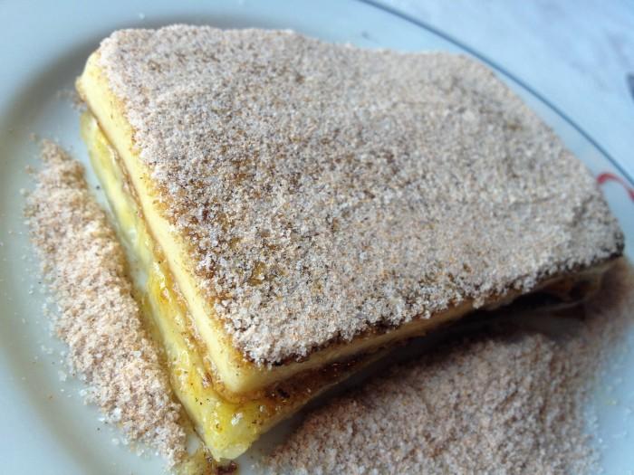 Cartola de verdade: queijo manteiga, banana, açúcar e canela