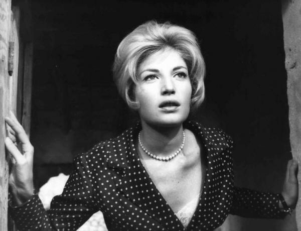 Monica Vitti (A Aventura, 1960, Michelangelo Antonionni)