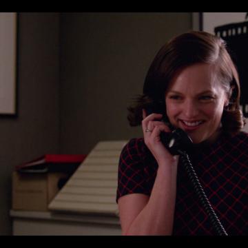 Peggy on the phone: qualquer coisa eu não te ligo